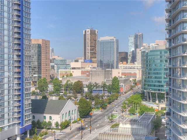 Main Photo: 2107 689 ABBOTT Street in Vancouver: Downtown VW Condo for sale (Vancouver West)  : MLS(r) # V932303