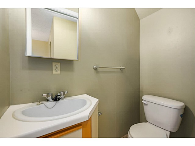 "Photo 12: 202 1205 W 14TH Avenue in Vancouver: Fairview VW Townhouse for sale in ""SIGNATURE PLACE"" (Vancouver West)  : MLS(r) # V1083796"