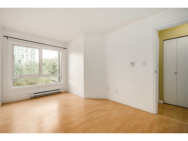 "Photo 14: 202 1205 W 14TH Avenue in Vancouver: Fairview VW Townhouse for sale in ""SIGNATURE PLACE"" (Vancouver West)  : MLS(r) # V1083796"