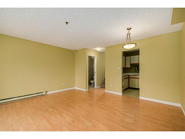 "Photo 5: 202 1205 W 14TH Avenue in Vancouver: Fairview VW Townhouse for sale in ""SIGNATURE PLACE"" (Vancouver West)  : MLS(r) # V1083796"