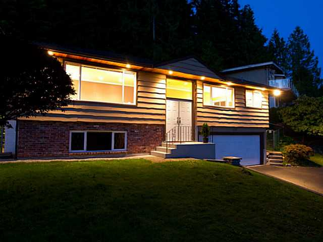 Main Photo: 658 Alpine Ct in North Vancouver: Canyon Heights NV House for sale : MLS® # V1044054
