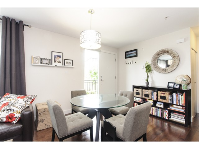 Photo 5: 3160 Prince Edward Street in Vancouver: Mount Pleasant VE Townhouse for sale (Vancouver East)  : MLS® # V1123362