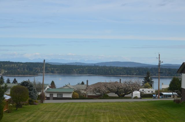 Photo 2: Photos: 427 DAVIS ROAD in LADYSMITH: House for sale : MLS® # 373138