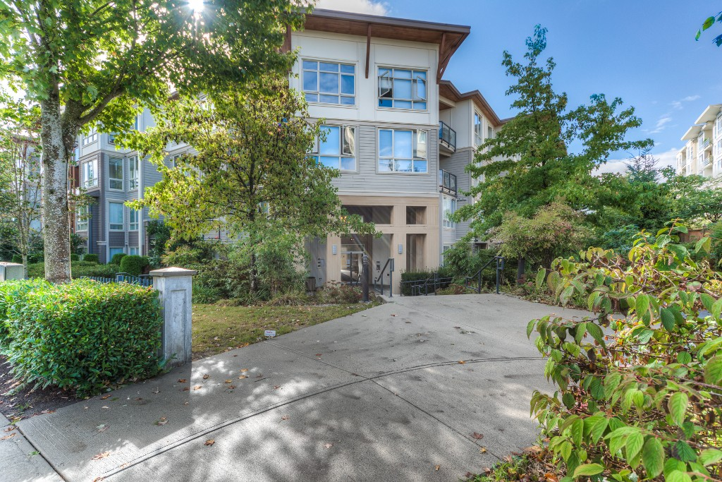 Main Photo: 112-15918 26 Ave in South Surrey: Grandview Surrey Condo for sale (South Surrey White Rock)