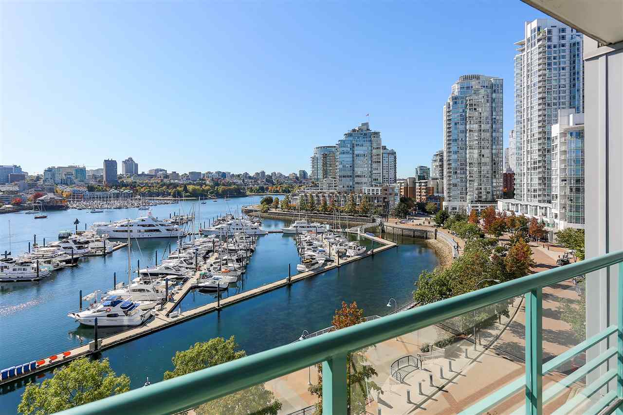 Main Photo: 902 1067 MARINASIDE CRESCENT in Vancouver: Yaletown Condo for sale (Vancouver West)  : MLS®# R2004364