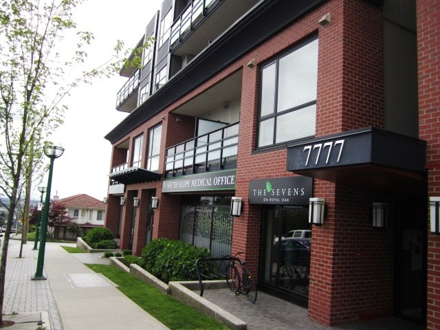Main Photo: 307 7777 ROYAL OAK AVENUE in Burnaby: South Slope Condo for sale (Burnaby South)  : MLS® # R2062164