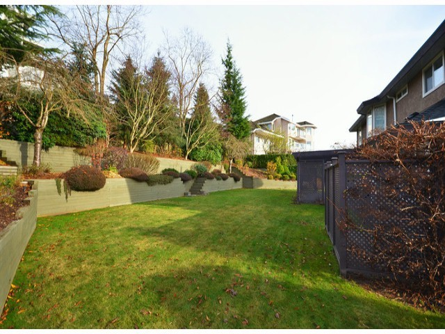 "Photo 9: 16437 77TH Avenue in Surrey: Fleetwood Tynehead House for sale in ""COAST MERIDIAN ESTATES"" : MLS® # F1306840"