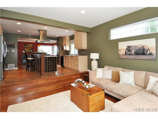 Photo 10: 518 Hampshire Road in VICTORIA: OB South Oak Bay Residential for sale (Oak Bay)  : MLS® # 339430