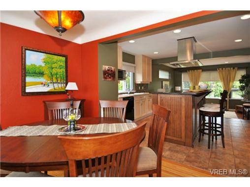 Photo 7: 518 Hampshire Road in VICTORIA: OB South Oak Bay Residential for sale (Oak Bay)  : MLS® # 339430