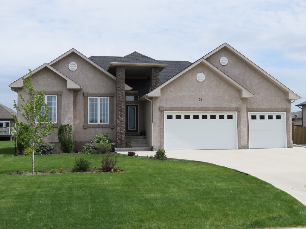 Main Photo: 39 Sage Place in Oakbank: Single Family Detached for sale : MLS® # 1514916