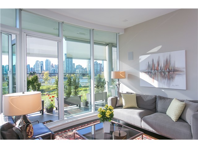 Main Photo: # 404 1616 COLUMBIA ST in Vancouver: False Creek Condo for sale (Vancouver West)  : MLS®# V1115216