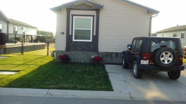 Main Photo: : Mobile for sale : MLS(r) # 39678