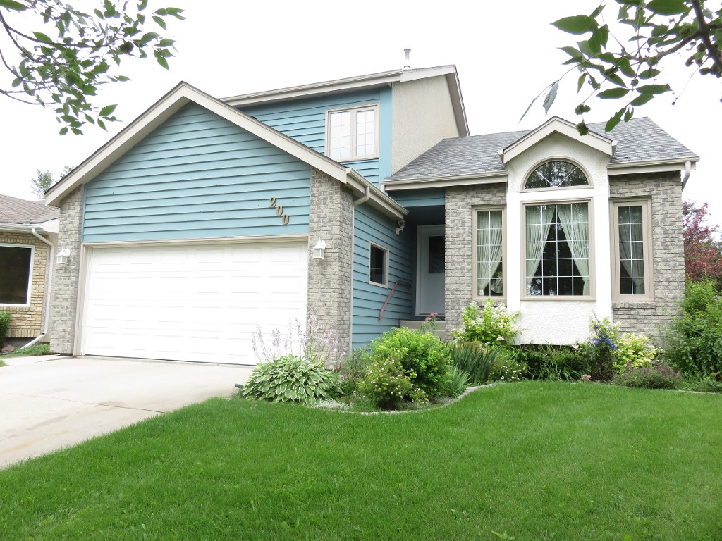 Main Photo: 200 Alberhill Crescent in Winnipeg: Single Family Detached for sale (Sun Valley Park)  : MLS® # 1620819