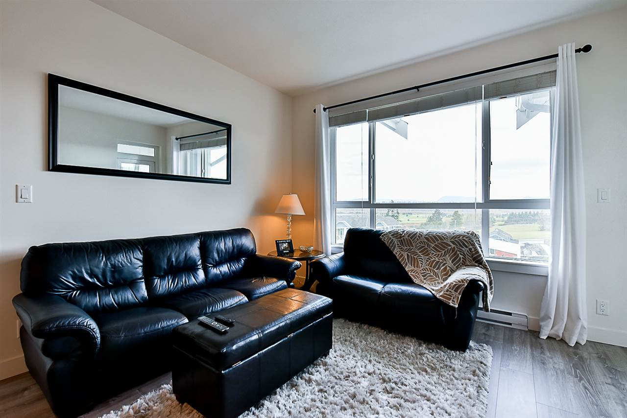 Photo 8: # 508 - 16388 64th Avenue in Surrey: Cloverdale BC Condo for sale (Cloverdale)  : MLS(r) # R2132280