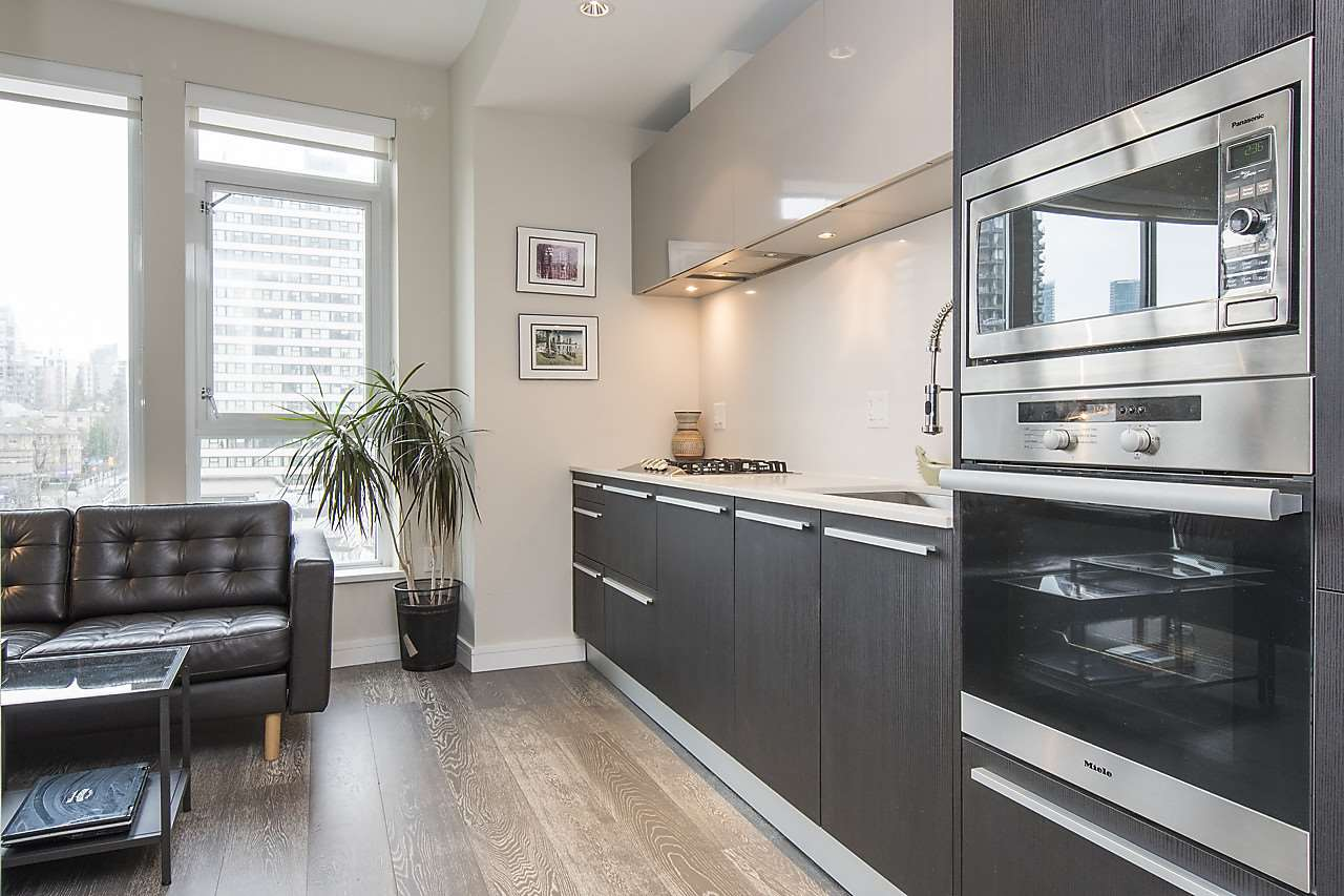 Photo 2: 704 1221 BIDWELL STREET in Vancouver: West End VW Condo for sale (Vancouver West)  : MLS(r) # R2139086