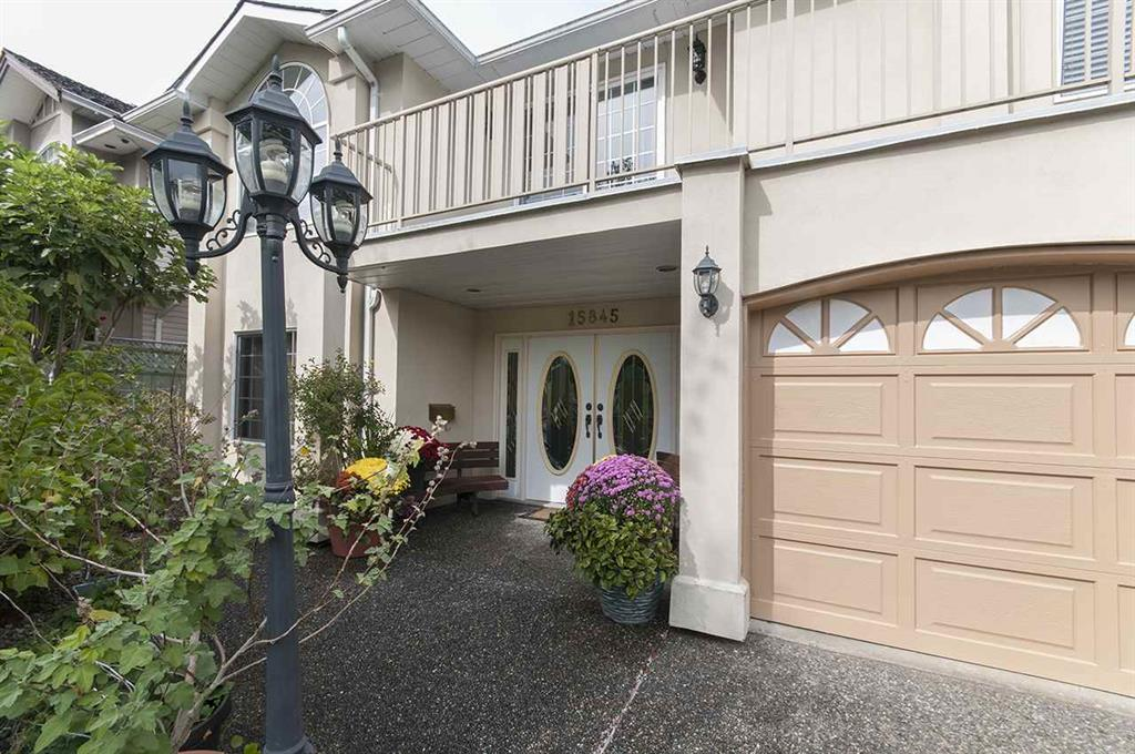 Photo 3: 15845 80 Avenue in Surrey: Fleetwood Tynehead House for sale : MLS® # R2000839