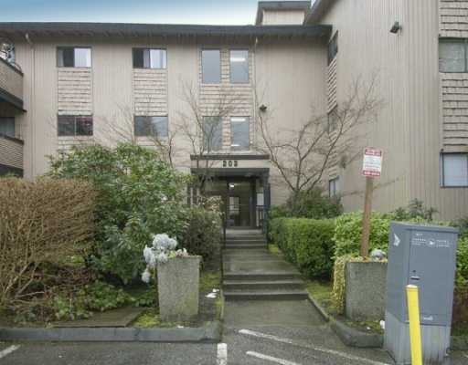 "Main Photo: 223 202 WESTHILL PL in Port Moody: College Park PM Condo for sale in ""WESTHILL PLACE"" : MLS® # V579175"