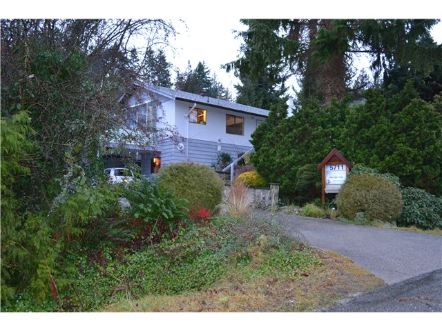 Photo 4: Photos: 5711 TRAIL Avenue in Sechelt: Sechelt District House for sale (Sunshine Coast)  : MLS® # V986935