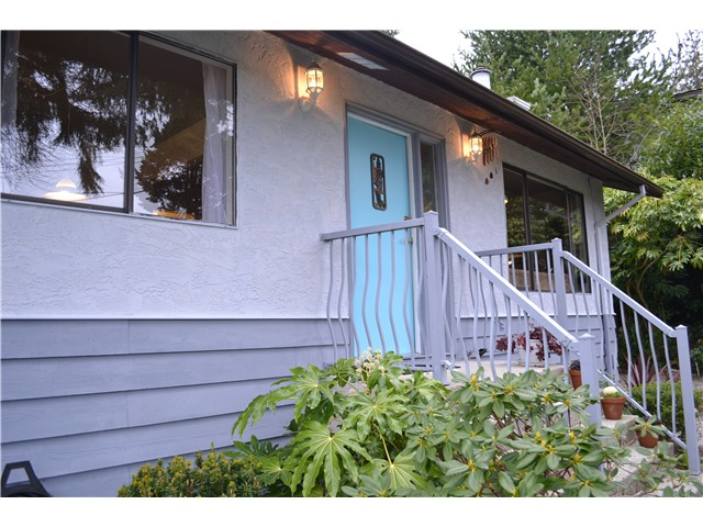 Photo 1: Photos: 5711 TRAIL Avenue in Sechelt: Sechelt District House for sale (Sunshine Coast)  : MLS® # V986935