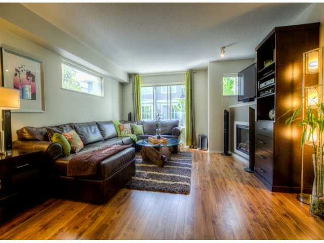 "Main Photo: # 43 15155 62A AV in SURREY: Sullivan Station Townhouse for sale in ""Oaklands"" (Surrey)  : MLS®# F1311212"