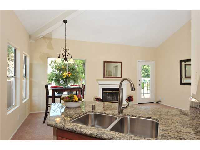 Main Photo: UNIVERSITY CITY Townhome for sale : 2 bedrooms : 7214 Shoreline Drive #180 in San Diego