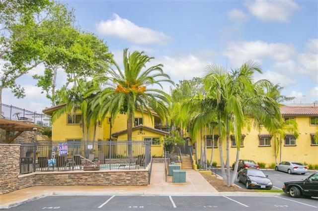 Photo 17: SAN DIEGO Condo for sale : 2 bedrooms : 2744 B Street #206