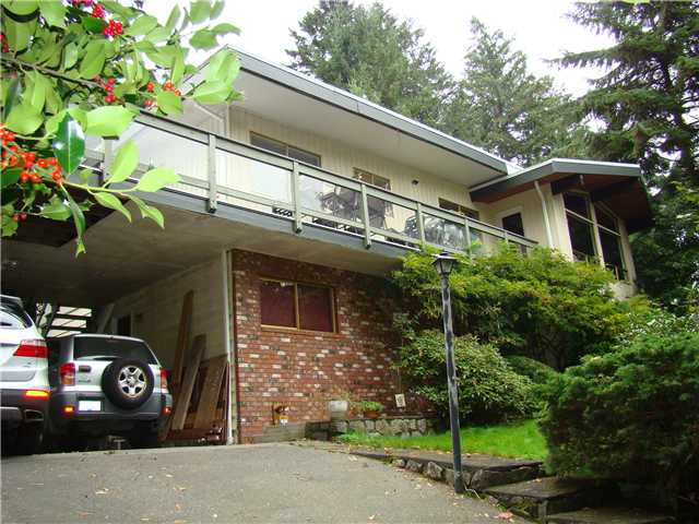Main Photo: 4007 BAYRIDGE AV in West Vancouver: Bayridge House for sale : MLS®# V1100355