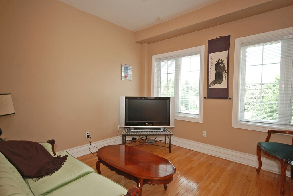 Photo 11: 945 Queen St W in Toronto: Trinity-Bellwoods Freehold for sale (Toronto C01)