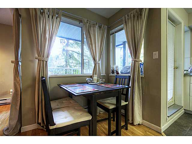 "Photo 5: 3 7345 SANDBORNE Avenue in Burnaby: South Slope Townhouse for sale in ""SANDBORNE WOODS"" (Burnaby South)  : MLS(r) # V984228"