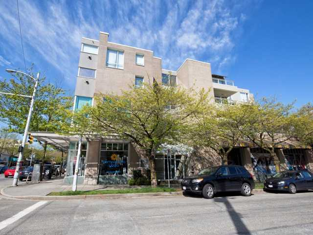"Main Photo: 331 1979 YEW Street in Vancouver: Kitsilano Condo for sale in ""CAPERS BUILDING"" (Vancouver West)  : MLS®# V1003340"