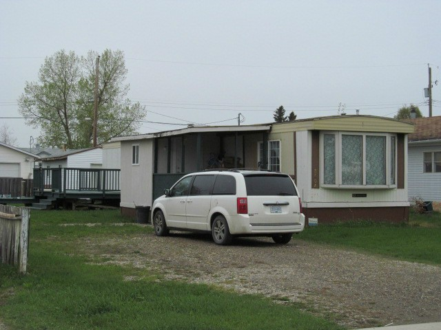 "Main Photo: 8604 77TH Street in Fort St. John: Fort St. John - City SE Manufactured Home for sale in ""W"" (Fort St. John (Zone 60))  : MLS® # N227734"