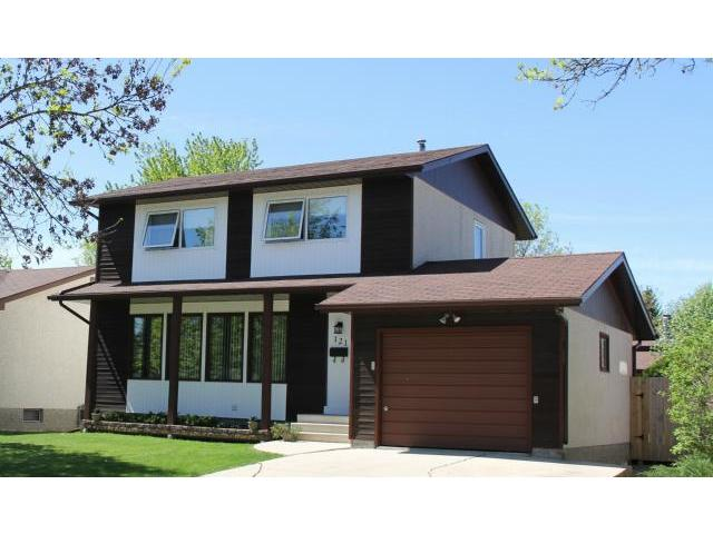 Main Photo: 121 Whitley Drive in WINNIPEG: St Vital Residential for sale (South East Winnipeg)  : MLS® # 1311297