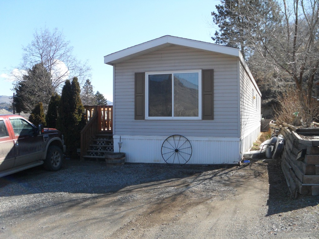 Main Photo: 402 4395 E Trans Canada Hwy E in : Dallas Manufactured Home for sale (Kamloops)  : MLS(r) # 121513