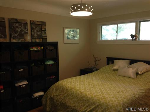 Photo 12: 465 Sturdee Street in VICTORIA: Es Saxe Point Residential for sale (Esquimalt)  : MLS® # 340861