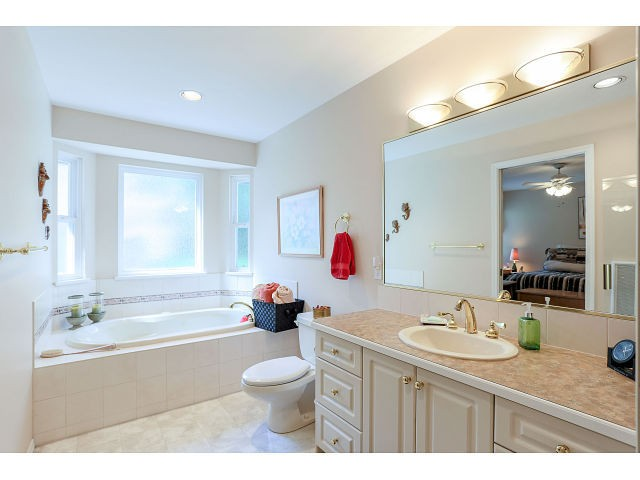 Photo 11: 14256 GLADSTONE DR in Surrey: Bolivar Heights House for sale (North Surrey)  : MLS(r) # F1442599