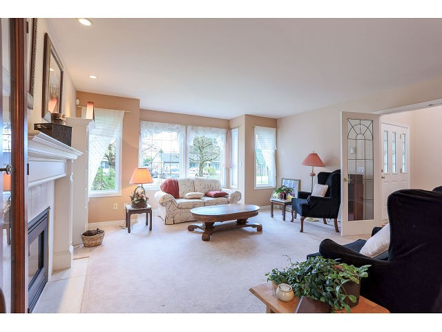 Photo 3: 14256 GLADSTONE DR in Surrey: Bolivar Heights House for sale (North Surrey)  : MLS(r) # F1442599