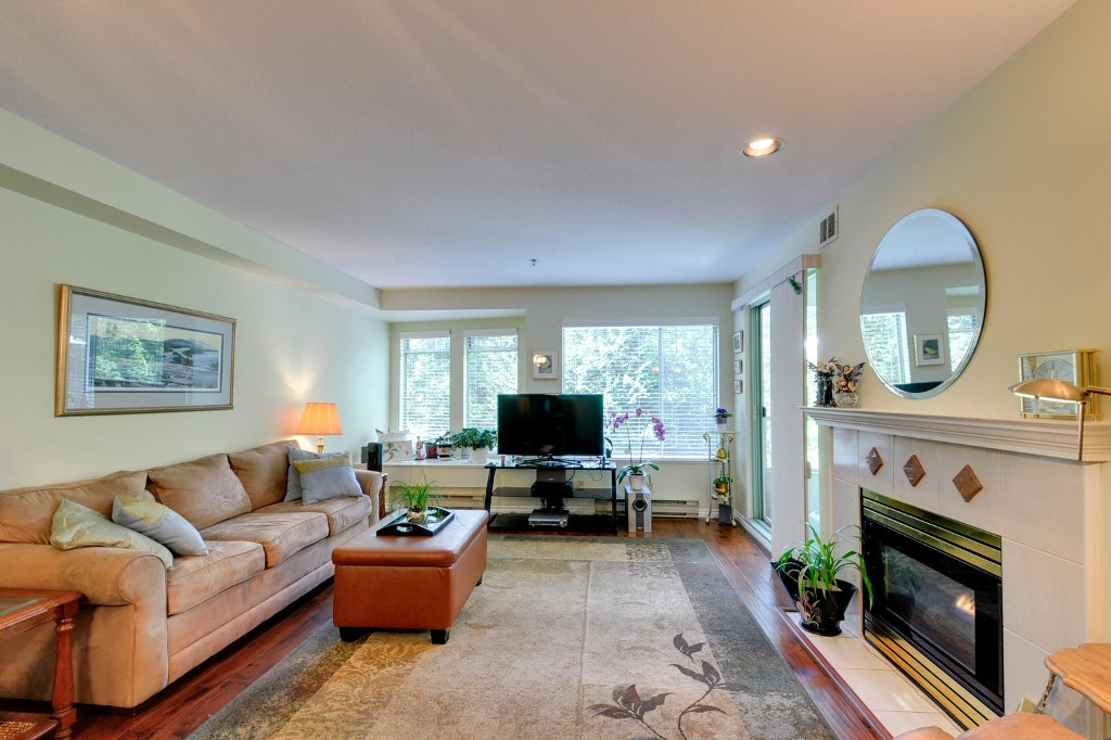 Photo 8: 303 6737 STATION HILL COURT in Burnaby: South Slope Condo for sale (Burnaby South)  : MLS® # R2077188