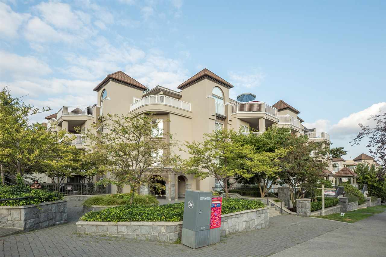 Main Photo: 112 519 TWELFTH STREET in New Westminster: Uptown NW Condo for sale : MLS® # R2097694