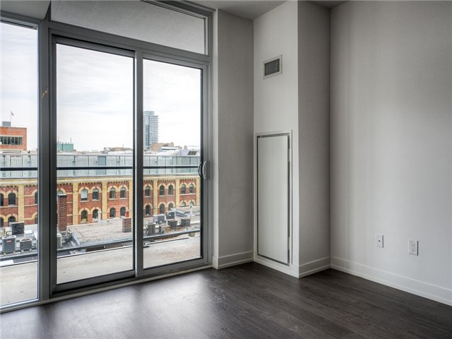 Photo 5: 105 George St Unit #606 in Toronto: Moss Park Condo for sale (Toronto C08)  : MLS(r) # C3695563