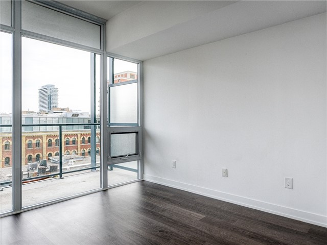 Photo 7: 105 George St Unit #606 in Toronto: Moss Park Condo for sale (Toronto C08)  : MLS(r) # C3695563