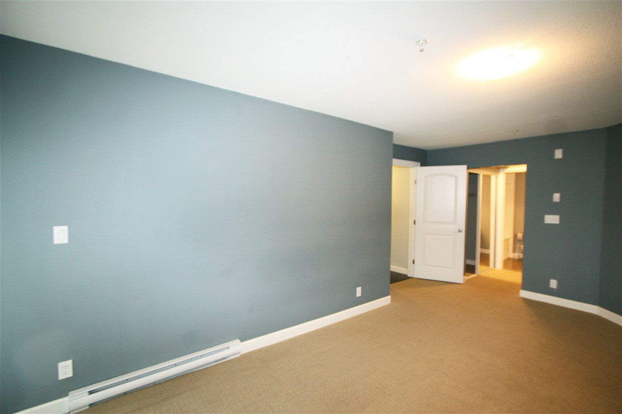 Photo 5: 105 3150 VINCENT STREET in Port Coquitlam: Glenwood PQ Condo for sale : MLS® # R2154370