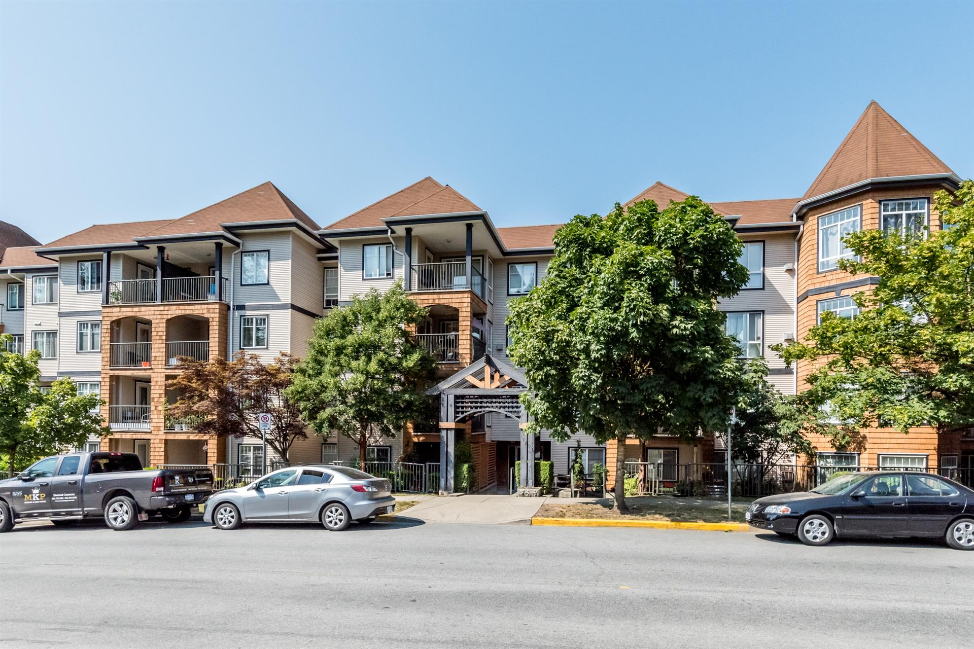 Main Photo: 402-12207 224TH in Maple Ridge: West Central Condo for sale