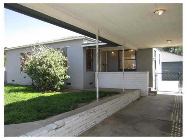 Main Photo: RAMONA House for sale : 2 bedrooms : 1220 D Street