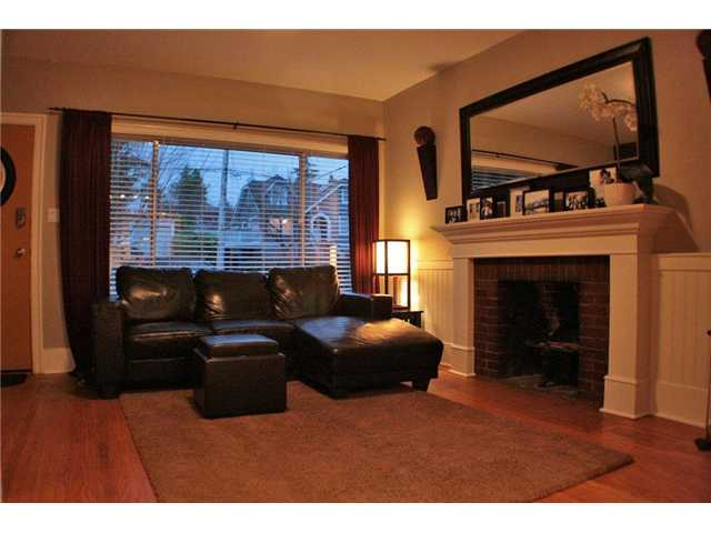 Photo 2: 1412 HAMILTON ST in : West End NW House for sale : MLS® # V924597