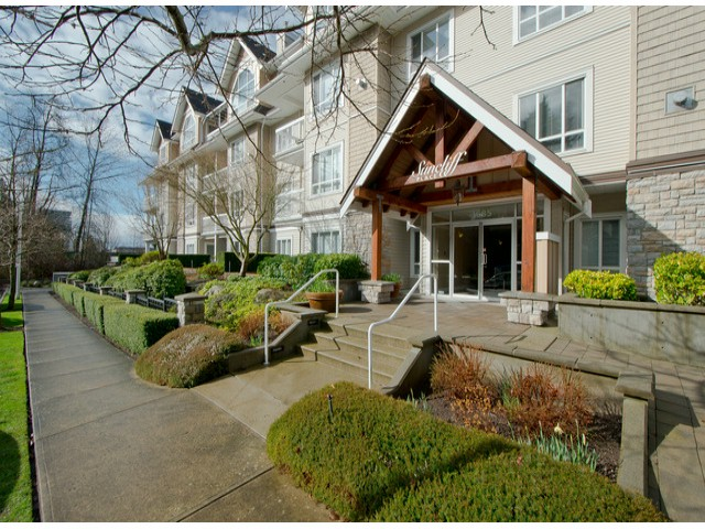 "Main Photo: 403 1685 152A Street in Surrey: King George Corridor Condo for sale in ""SUNCLIFF PLACE"" (South Surrey White Rock)  : MLS® # F1311903"