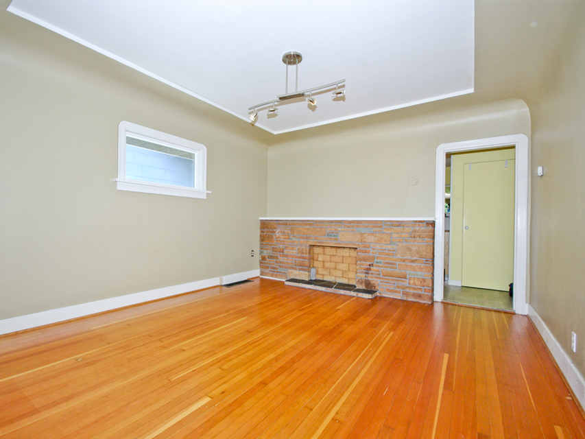 Photo 3: 3078 GRANT ST in Vancouver: Renfrew VE House for sale (Vancouver East)  : MLS(r) # V1019044
