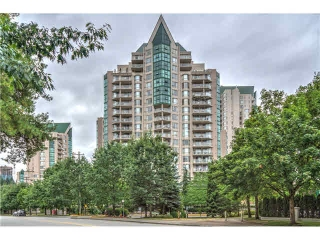 Main Photo: 305 1196 PIPELINE ROAD in Coquitlam: North Coquitlam Condo for sale : MLS(r) # V1135637