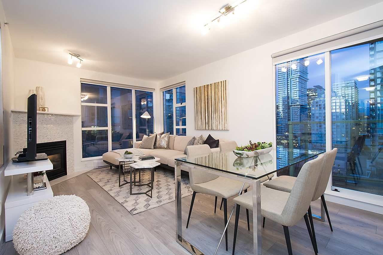 Main Photo: 2002 939 HOMER STREET in Vancouver: Yaletown Condo for sale (Vancouver West)  : MLS® # R2133946