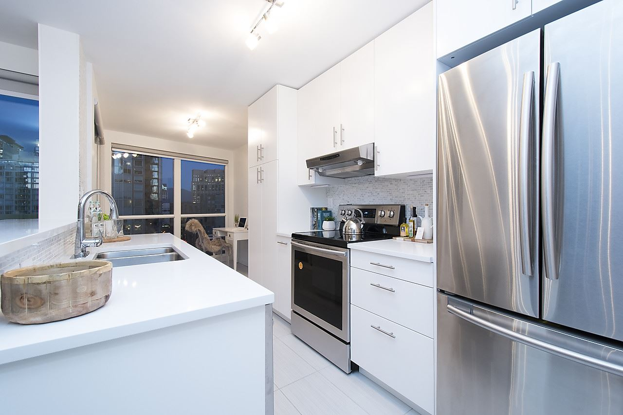 Photo 10: 2002 939 HOMER STREET in Vancouver: Yaletown Condo for sale (Vancouver West)  : MLS® # R2133946