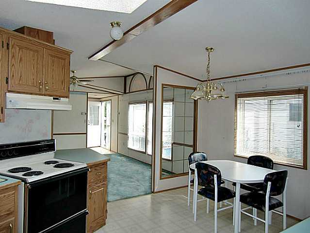 Photo 5: 142 ERIN WOODS Circle SE in CALGARY: Erinwoods Single Wide for sale (Calgary)  : MLS(r) # C3582049